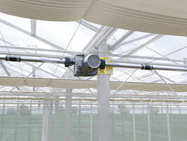 Cable system in Venlo greenhouse mounted with EWA power drive and KSS couplings.